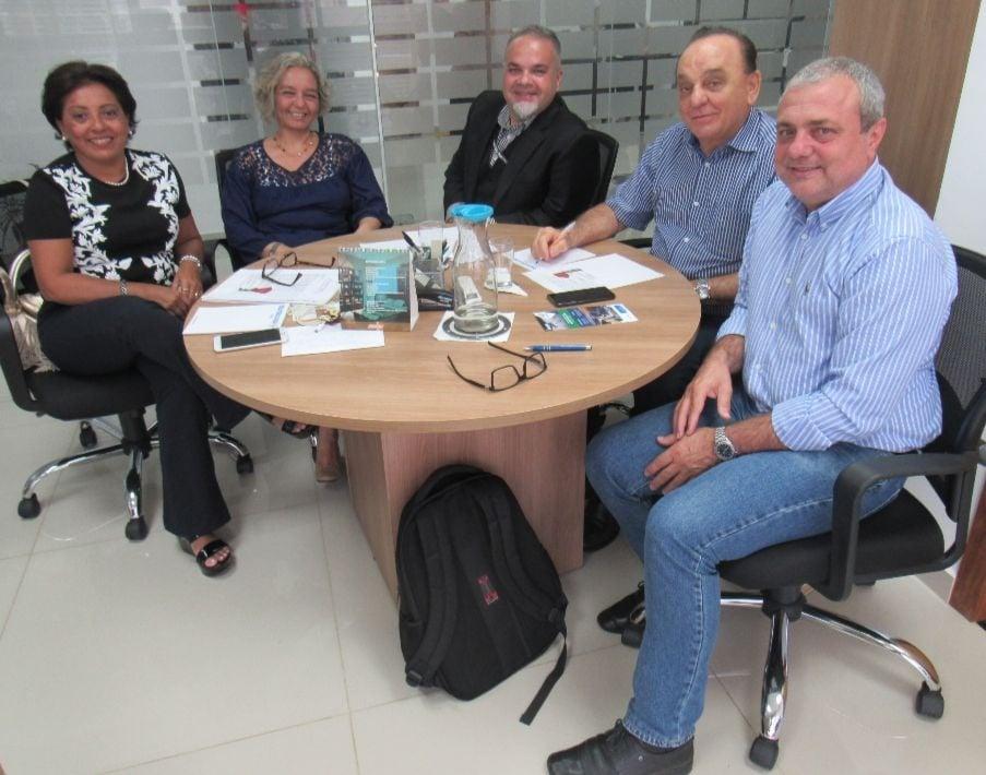 Diretoria do CFBio se reúne com organizadores do 1º Congresso Antivectorial