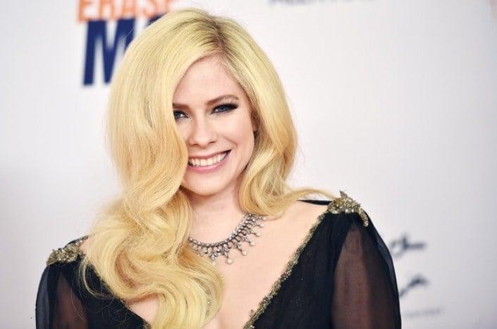 Avril Lavigne Lyme Carrapato